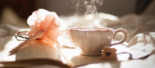 Băuturi înainte de culcare - ce ne ajută pentru a avea un somn lin și ce dăunează