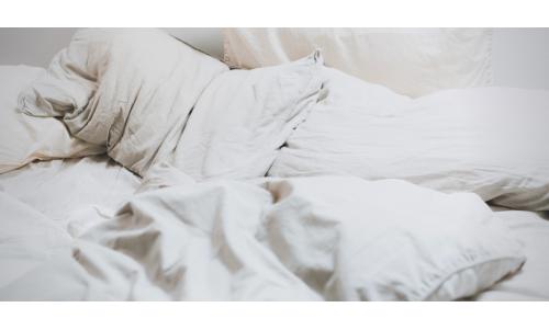 Cum să alegeți o pernă pentru a avea un somn odihnitor