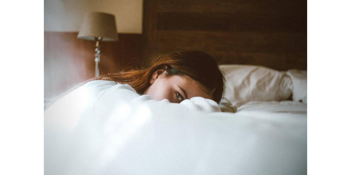 Vă treziți la aceeași oră, nopți la rând?
