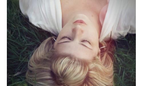 Somnul și strălucirea: dormi puțin sau atât cât vrei?